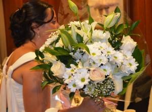 Ramo QDF de flores blancas para la novia