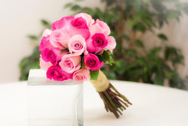 Bouquet de rosas rosas y fucsias
