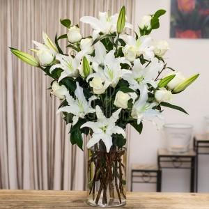 jarron-flores-blancas