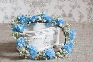 corona flores azules