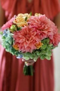 bouquet de novia dalias