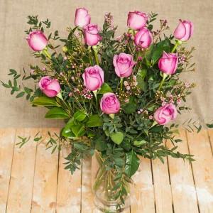 ramo de rosas moradas