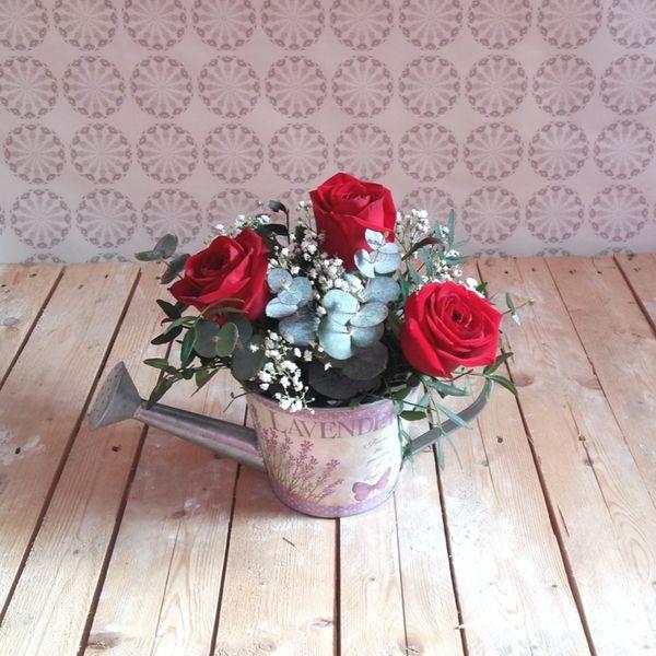 Regadera 3 Rosas Rojas