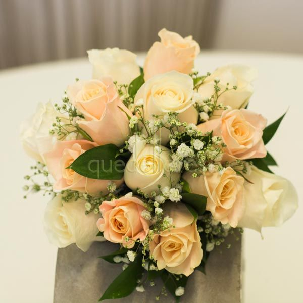 Bouquet de novia de 12 rosas