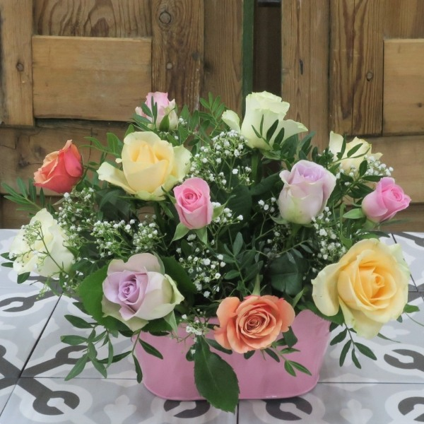 Jardinera de 12 rosas