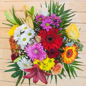 Ramo QDF de flores variadas multicolor.