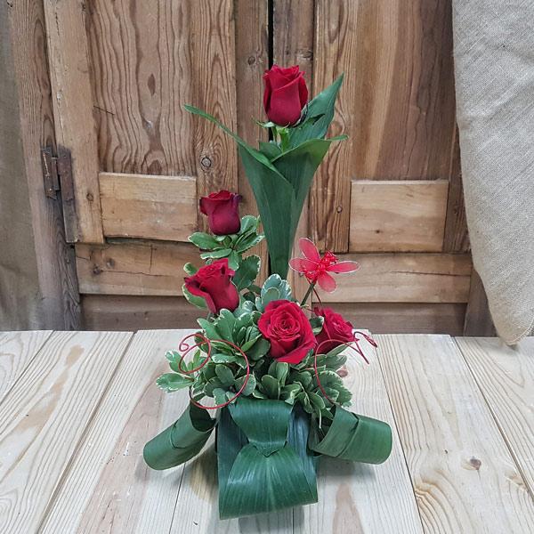 Rosas Rojas con Libélula