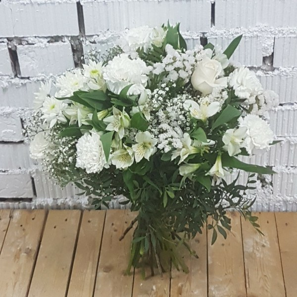 Ramo QDF de flores variadas blancas