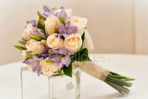 Bouquet de novia Rosas y Fresias