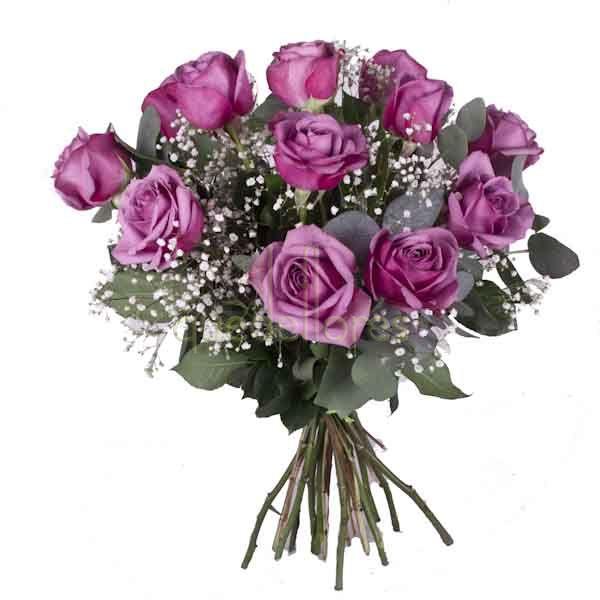 Bouquet rosas moradas.