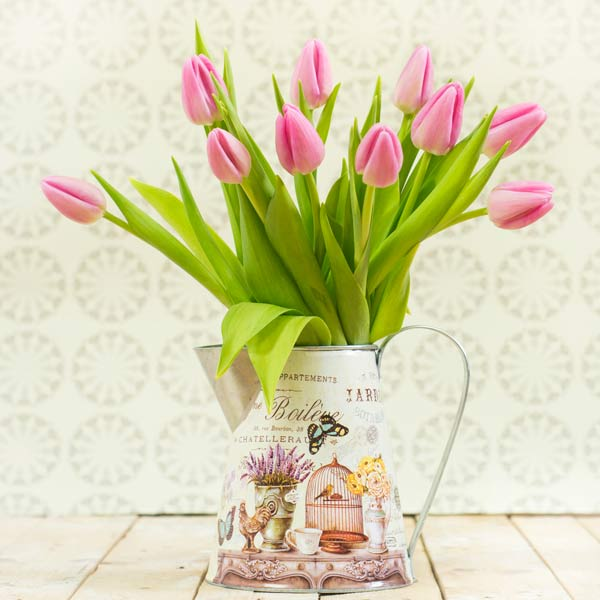 Jarrita de tulipanes rosas