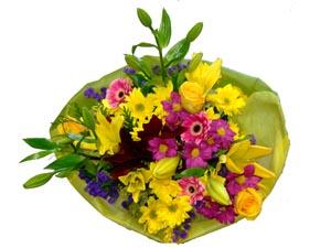 Ramo QDF flores variadas amarillo y morado