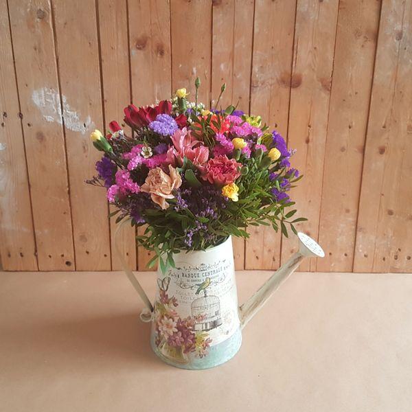 Regadera de Flores Variadas