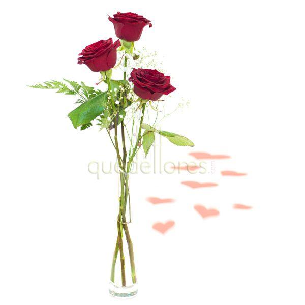 Tres Rosas Rojas en Violetero